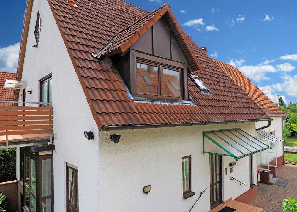 3 in 1: Zwei Häuser + Büro auf 919 m² Grundstück in Top Lage!