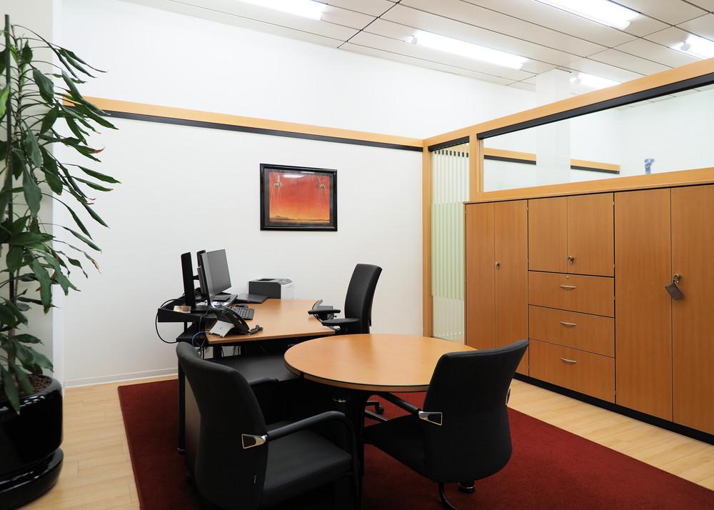 Modernes Büro in Bahnhofsnähe