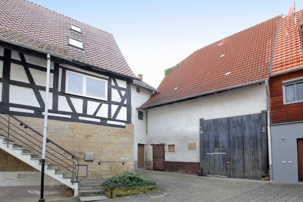 NEU: Solides Haus, Garten und Scheune (Ausbau möglich)