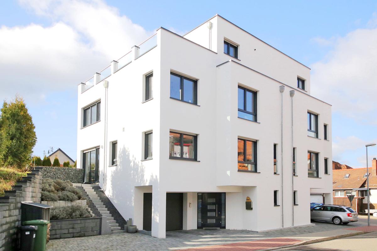 Moderne Architektur – neuwertige Doppelhaushälfte zum Wohlfühlen