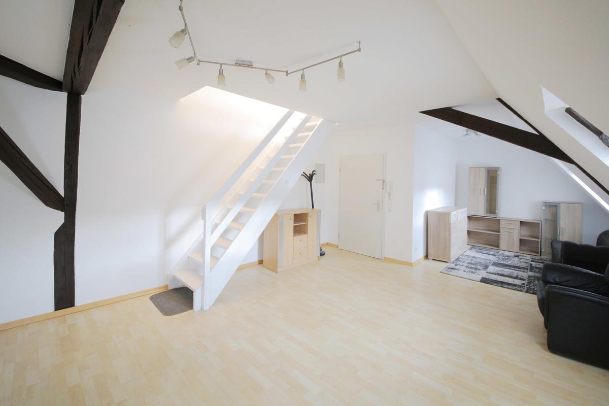 Helle 1,5-Zimmer-Maisonette-Wohnung im Ortskern von Steinbach