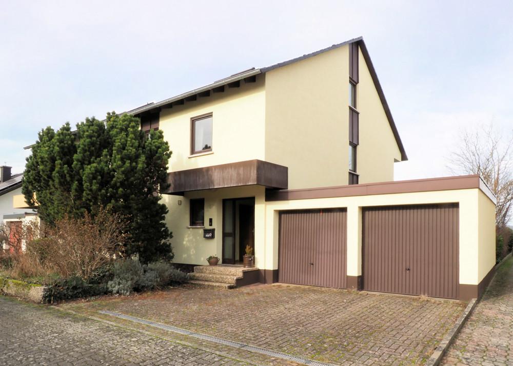 Zuhause im Glück – Doppelhaushälfte in Kandel – inkl. viel Nutzfläche