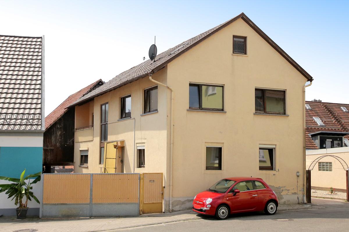 Zweifamilienhaus mit Scheune und viel Ausbaupotential