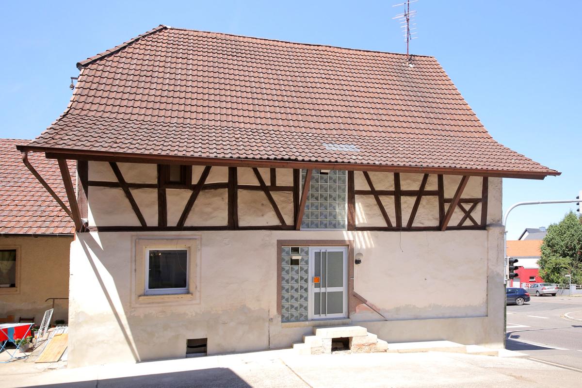 Haus mit zwei Wohnungen für 8 – 12 Mitarbeiter