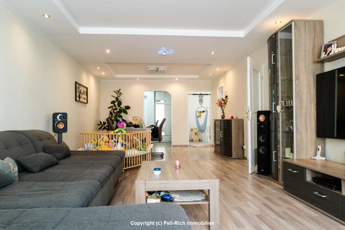 BESTE AUSSICHTEN: 3-Zimmer Wohnung mit Balkon und TG-Stellplatz in Leo
