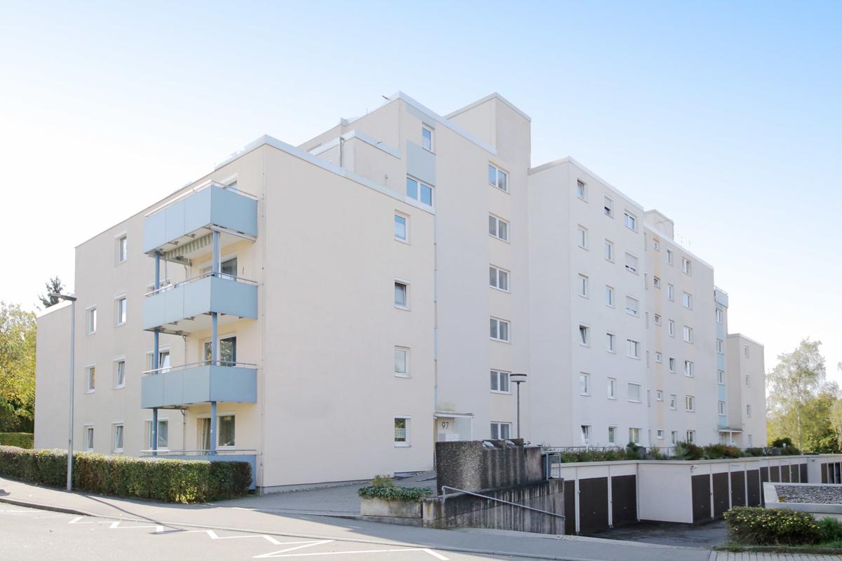 Helle 4-Zimmer-Wohnung mit Balkon in Schönaich