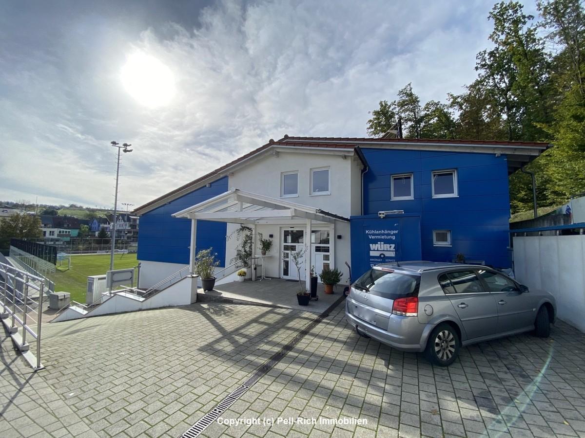 """FANKURVE """"ZUM WALDENSER"""" – 180m² großes Restaurant mit 120m² Wohnung a"""