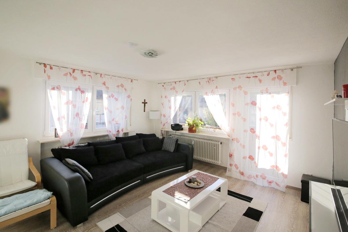 Helle, gepflegte 3 bis 4-Zimmer-Wohnung mit Balkon, Garage und eigener