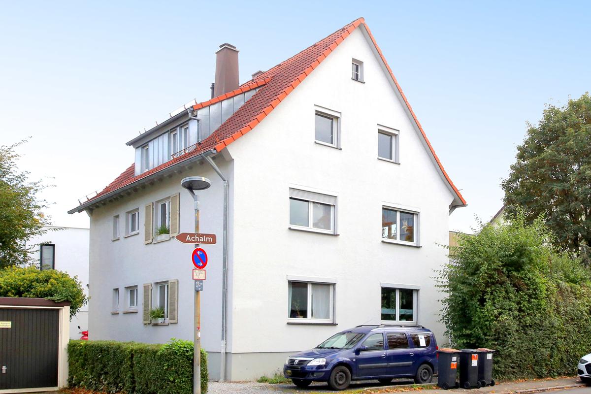 Mehrfamilienhaus mit drei seperaten Wohnungen und schönem Garten !!!
