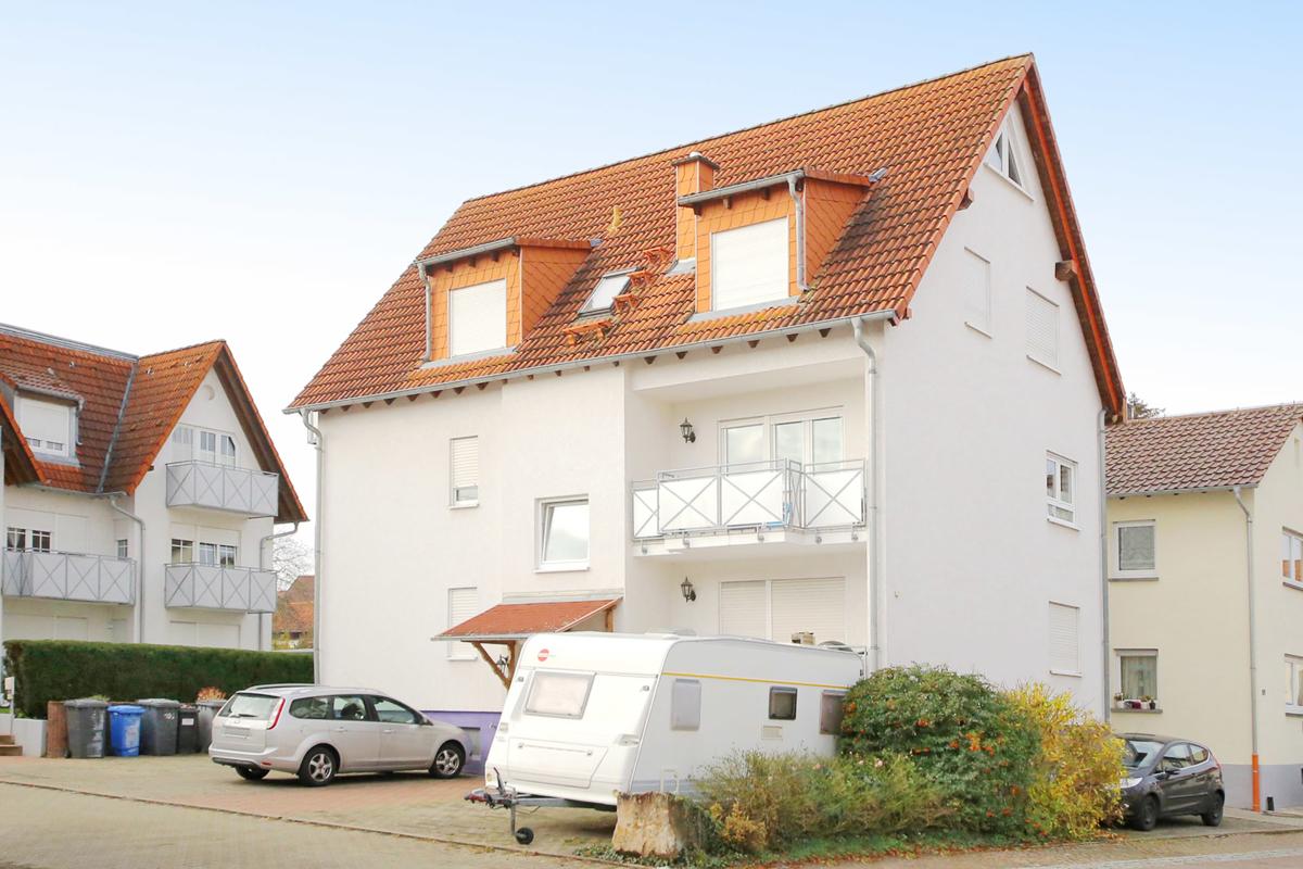 Gepflegte, helle 5-Zimmer-Maisonettewohnung mit Balkon